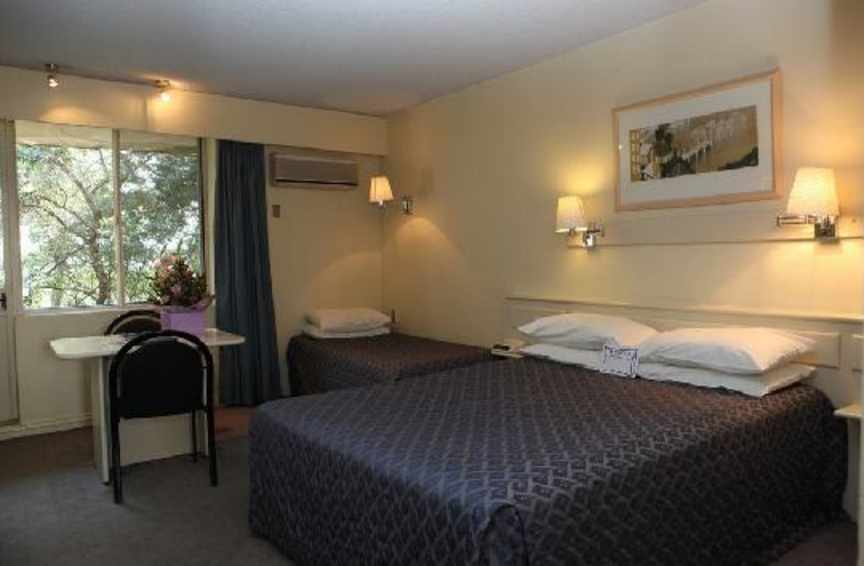 Best Western Twin Towers Rooms
