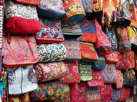 ladies market Cheap Tourist Shops In Hong Kong | Bargain Markets
